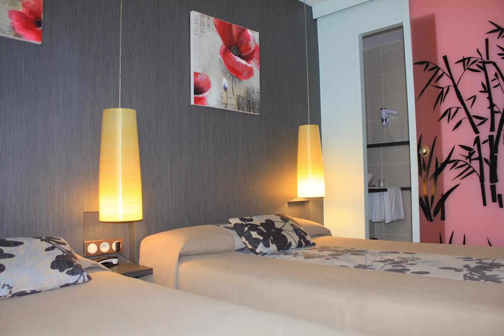 hotel-palais-saint-malo-palais-double-lit-fleur-2